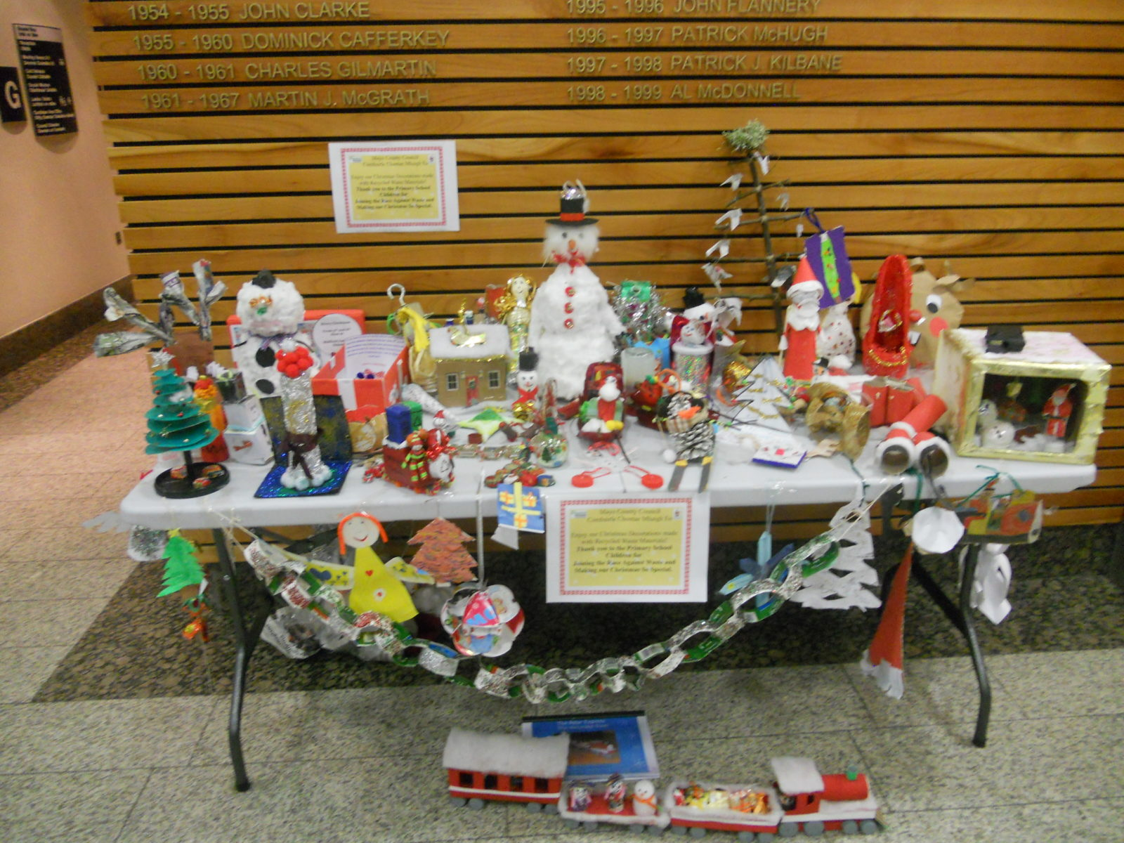 Mayo county council recycled waste christmas decoration for Decoration with waste
